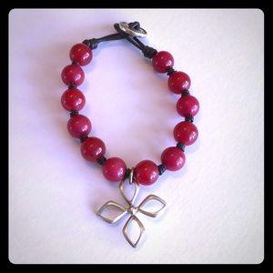 Vintage Fossil Red Beaded Bracelet w/ Flower ❤️🌼